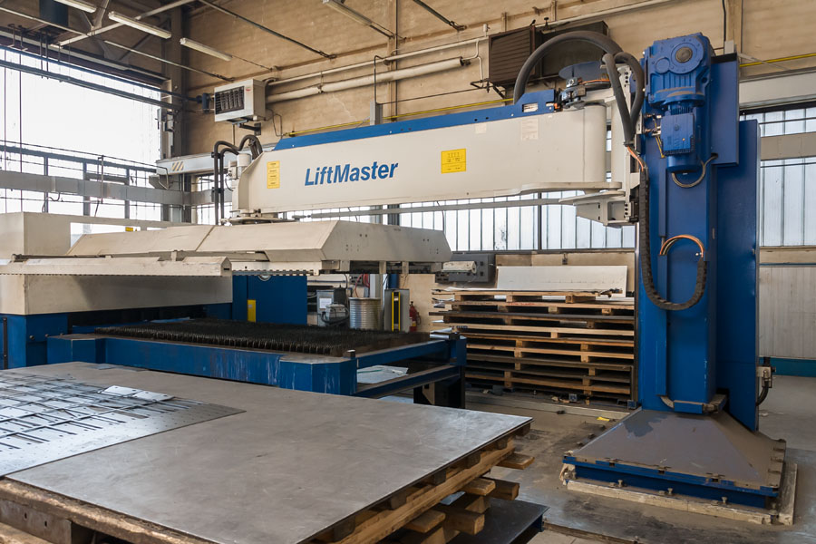 LASER TRUMPF TRUMATIC L 3030 WITH LIFTMASTER